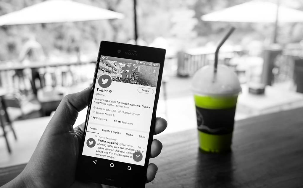JOB HUNTING BASICS: How To Clean Up Your Social Media